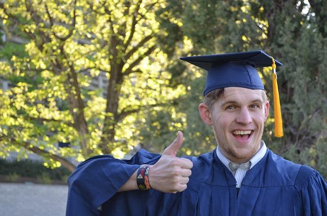Tips for University Graduates Seeking Employment 1
